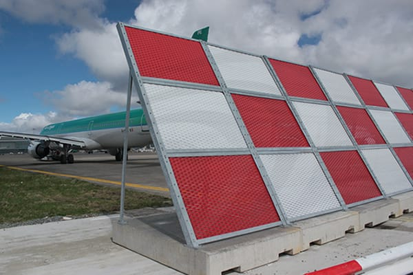 airport-barrier5-th